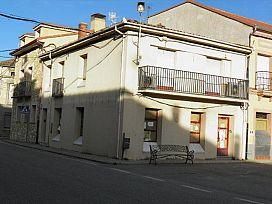 Piso en venta en Fuenterrebollo, Fuenterrebollo, Segovia, Plaza de España, 69.400 €, 3 habitaciones, 1 baño, 207 m2
