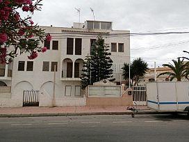 Piso en venta en Torrevieja, Alicante, Calle Finca 00022557 Num.r 003 Loc.r Torrevieja Direc. Calas Blanc, 32.000 €, 1 habitación, 1 baño, 46 m2