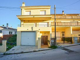 Casa en venta en Llançà, Girona, Calle Bateria, 311.000 €, 4 habitaciones, 2 baños, 277 m2