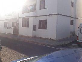 Piso en venta en Parque Maneje, Arrecife, Las Palmas, Calle Tindaya, 67.100 €, 3 habitaciones, 1 baño, 91 m2