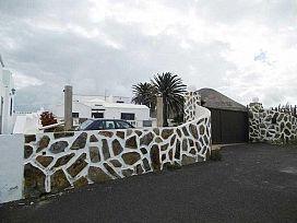 Casa en venta en Tinajo, Las Palmas, Calle El Rincon, 295.000 €, 3 habitaciones, 3 baños, 345 m2