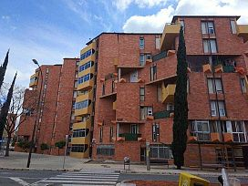 Piso en venta en Barri Gaudí, Reus, Tarragona, Avenida Barcelona, 59.800 €, 4 habitaciones, 1 baño, 84 m2