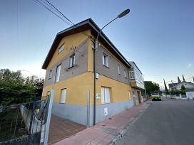 Casa en venta en Cacabelos, Cacabelos, León, Calle Valle Fornela, 99.000 €, 5 habitaciones, 2 baños, 219 m2