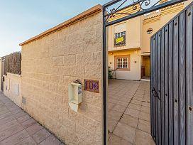 Casa en venta en La Línea de la Concepción, Cádiz, Avenida del Estrecho, 166.000 €, 3 habitaciones, 2 baños, 143 m2
