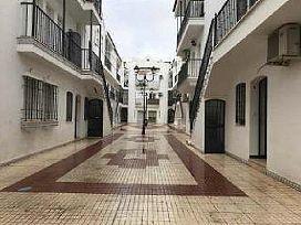 Piso en venta en Gibraleón, Huelva, Calle Cervantes, 63.800 €, 3 habitaciones, 2 baños, 112 m2