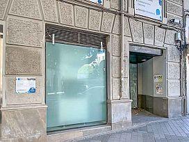 Local en alquiler en Distrito Beiro, Granada, Granada, Avenida Doctor Oloriz, 1.460 €, 159 m2