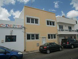 Piso en venta en Altavista, Arrecife, Las Palmas, Calle la Mina, 59.400 €, 2 habitaciones, 1 baño, 68 m2