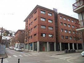 Local en alquiler en Can Moca, Olot, Girona, Calle Pou del Glaç, 800 €, 141 m2