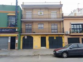 Piso en venta en Distrito Cerro-amate, Sevilla, Sevilla, Calle Torrelaguna, 78.200 €, 3 habitaciones, 135 m2