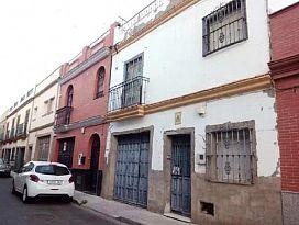 Casa en venta en Distrito Cerro-amate, Sevilla, Sevilla, Calle Cabezas de San Juan, 131.000 €, 5 habitaciones, 1 baño, 183 m2