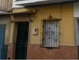Piso en venta en Distrito Este-alcosa-torreblanca, Sevilla, Sevilla, Calle Torrevieja, 55.000 €, 3 habitaciones, 1 baño, 70 m2