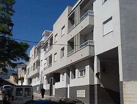 Piso en venta en Càlig, Castellón, Calle Alcalde Agusti Merce, 73.300 €, 3 habitaciones, 105 m2