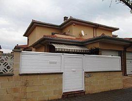 Casa en venta en Vilafant, Vilafant, Girona, Calle Garrotxa/urb la Solana, 219.000 €, 4 habitaciones, 2 baños, 169 m2