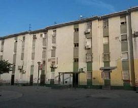 Piso en venta en Distrito Sur, Sevilla, Sevilla, Calle Luis Ortiz Muñoz, 22.000 €, 3 habitaciones, 1 baño, 80 m2
