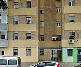 Piso en venta en Distrito Sur, Sevilla, Sevilla, Calle Luis Ortiz Muñoz, 25.000 €, 3 habitaciones, 1 baño, 72 m2