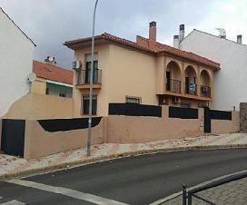 Casa en venta en Las Abadías, Mérida, Badajoz, Avenida Via de la Plata, 182.600 €, 4 habitaciones, 3 baños, 255 m2