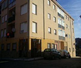 Piso en venta en Dolores Ibarruri, Plasencia, Cáceres, Calle Blasco Ibañez, 61.000 €, 2 habitaciones, 1 baño, 87 m2