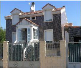 Casa en venta en Aniago, Villanueva de Duero, Valladolid, Calle Zapardiel, 240.000 €, 4 habitaciones, 246 m2
