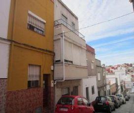 Piso en venta en Algeciras, Cádiz, Calle Barcelona, 57.000 €, 4 habitaciones, 129 m2