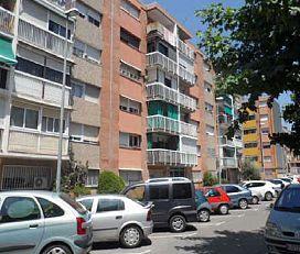 Piso en venta en La Florida, Santa Perpètua de Mogoda, Barcelona, Calle Ramon D`abadal, 84.000 €, 3 habitaciones, 1 baño, 82 m2