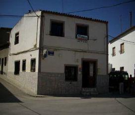 Casa en venta en Los Hinojosos, los Hinojosos, Cuenca, Avenida de la Hontanilla, 28.500 €, 3 habitaciones, 2 baños, 196 m2