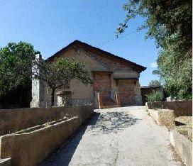 Casa en venta en Les Pinedes de L`armengol, la Torre de Claramunt, Barcelona, Calle Josep Tarradellas, 83.500 €, 4 habitaciones, 1 baño, 155 m2