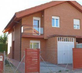 Casa en venta en Renedo de Esgueva, Valladolid, Calle Campana, 169.000 €, 4 habitaciones, 155 m2
