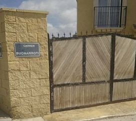 Casa en venta en La Nucia, Alicante, Calle Buonarrotti, 188.000 €, 3 habitaciones, 2 baños, 168 m2