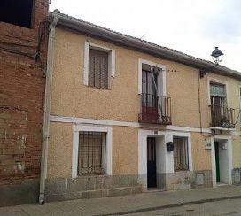 Casa en venta en Yunquera de Henares, Guadalajara, Paseo de la Estación, 32.000 €, 4 habitaciones, 67 m2