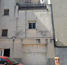 Piso en venta en Les Arenes, Terrassa, Barcelona, Calle Puigmal, 69.500 €, 1 habitación, 1 baño, 50 m2