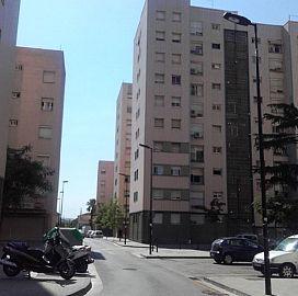 Piso en venta en Vila Vella, Sant Vicenç Dels Horts, Barcelona, Calle Calle la Vinyala, 137.000 €, 3 habitaciones, 1 baño, 77 m2