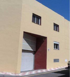 Piso en venta en Laja Blanca, Arico, Santa Cruz de Tenerife, Calle Alcalde Eladio Morales Bo, 74.000 €, 2 habitaciones, 1 baño, 84 m2