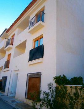 Piso en venta en El Castell de Guadalest, El Castell de Guadalest, Alicante, Calle Serella, 55.000 €, 2 habitaciones, 82 m2