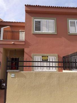 Piso en venta en San Bartolomé de Tirajana, Las Palmas, Calle Mar de Escocia, 299.000 €, 2 habitaciones, 2 baños, 90 m2