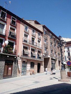Piso en venta en Casco Antiguo, Huesca, Huesca, Plaza Lizana, 45.000 €, 3 habitaciones, 1 baño, 72,39 m2