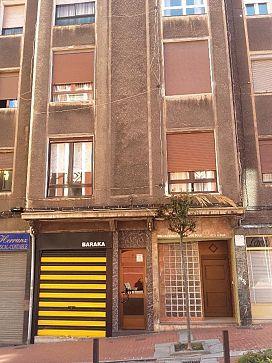 Piso en venta en Zentroa, Barakaldo, Vizcaya, Calle Ramon Zabalo, 95.500 €, 69 m2