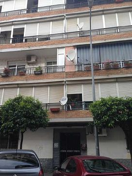 Piso en venta en Sevilla, Sevilla, Calle Ciudad de Gandia, 72.000 €, 3 habitaciones, 1 baño, 90 m2