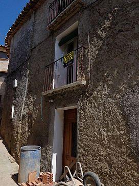 Casa en venta en Fonz, Huesca, Calle Doctor Castán, 27.000 €, 2 habitaciones, 1 baño, 177 m2