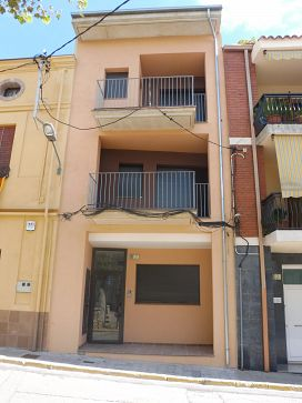 Piso en venta en Breda, Girona, Plaza Doctor Rovira, 125.400 €, 3 habitaciones, 114 m2