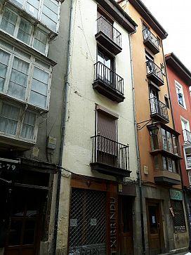 Piso en venta en Alde Zaharra/casco Viejo, Vitoria-gasteiz, Álava, Calle Cuchilleria, 99.000 €, 3 habitaciones, 1 baño, 91 m2