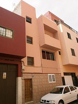 Piso en venta en San Matías, Santa Cruz de Tenerife, Santa Cruz de Tenerife, Calle Santa Elena, 88.160 €, 3 habitaciones, 2 baños, 100 m2