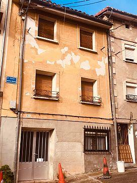Casa en venta en Pradoluengo, Burgos, Calle Heroes del Alcazar, 26.900 €, 3 habitaciones, 1 baño, 249 m2