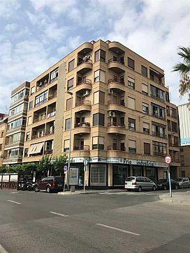 Piso en venta en Piso en Torrevieja, Alicante, 66.500 €, 3 habitaciones, 2 baños, 102 m2