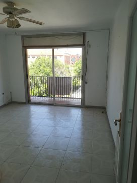 Piso en venta en Escola Industrial, Terrassa, Barcelona, Calle Estanislau Figueras, 103.100 €, 2 habitaciones, 1 baño, 64 m2