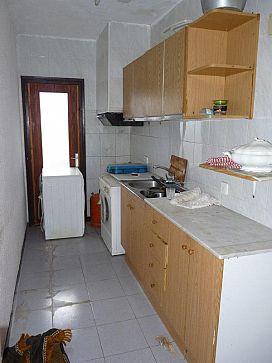 Piso en venta en Mas de Moresc, Alcover, Tarragona, Calle Industria de La, 78.100 €, 3 habitaciones, 1 baño, 82 m2