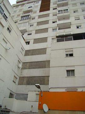 Piso en venta en Algeciras, Cádiz, Calle Federico García Lorca, 80.000 €, 4 habitaciones, 2 baños, 147 m2