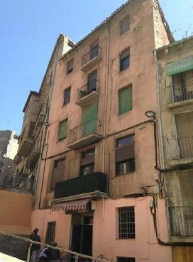 Piso en venta en Centre Històric de Manresa, Manresa, Barcelona, Calle Baixada Dels Drets, 81.700 €, 1 baño, 128 m2