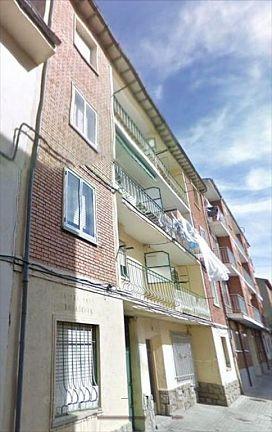 Piso en venta en Ávila, Ávila, Calle Emiliano Bernabe Lefler, 54.000 €, 3 habitaciones, 1 baño, 68 m2