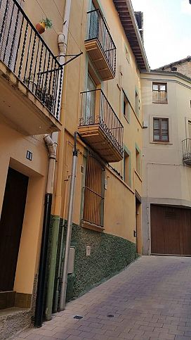 Piso en venta en Cal Rota, Berga, Barcelona, Calle Castellar del Riu, 44.100 €, 3 habitaciones, 2 baños, 82 m2