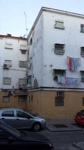 Piso en venta en Sevilla, Sevilla, Calle Candelas, 30.000 €, 53 m2